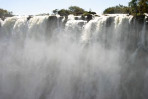 Die Victoria-Wasserfälle des Sambesi-Flusses. (Quelle: Ralf Krämer)