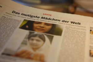 Zeitungsseite mit einem Artikel über Malala. (Quelle: WAZ)