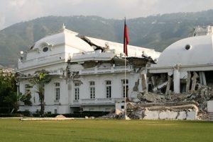 Der Regierungspalast wurde beim Erdbeben 2010 zerstört. Quelle: Jürgen Schübelin