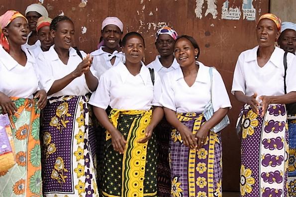 Eine kenianische Frauengruppe in Kangas. (Quelle: Kindernothilfe)