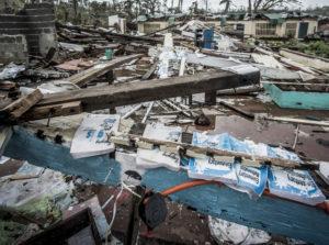 Vom Taifun Haiyan zerstörte Grundschule auf der Insel Samar. (Quelle: Jakob Studnar)