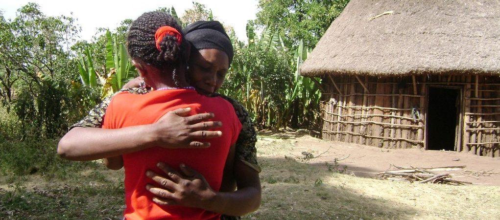 Die Tochter kehrte zu ihrer Mutter in dem äthiopischen Dorf zurück. (Quelle: Kindernothilfe-Partner)