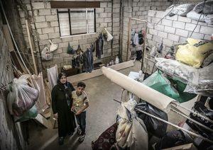 Syrische Flüchtlinge in einem Haus im Libanon, das nie fertig gebaut wurde. (Quelle: Jakob Studnar)