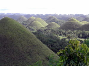 "Die ""Chocolate Hills"". (Quelle: Christoph Dehn)"