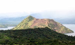 Der Nebenkrater des Taal Vulkans. (Quelle: Christoph Dehn)