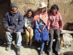 Bolivianische Familie. (Quelle: Kindernothilfe-Partner)