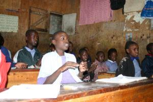 Schüler in einer Undugu-Schule in Nairobi. (Quelle: Imke Häusler)
