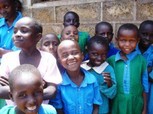 Kenianische Schulkinder. (Quelle: Silvia Beyer)