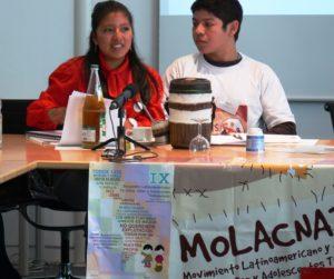 Zwei Kinderarbeiter aus Lateinamerika, die ein Recht auf Arbeit fordern. (Quelle: Niklas Alof)