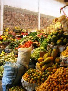 Marktstände in der Stadt Potosí. (Quelle: Sascha Decker)