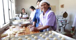Frauen können in der Bäckerei des Kindernothilfe-Partners arbeiten. (Quelle: Christian Herrmanny)