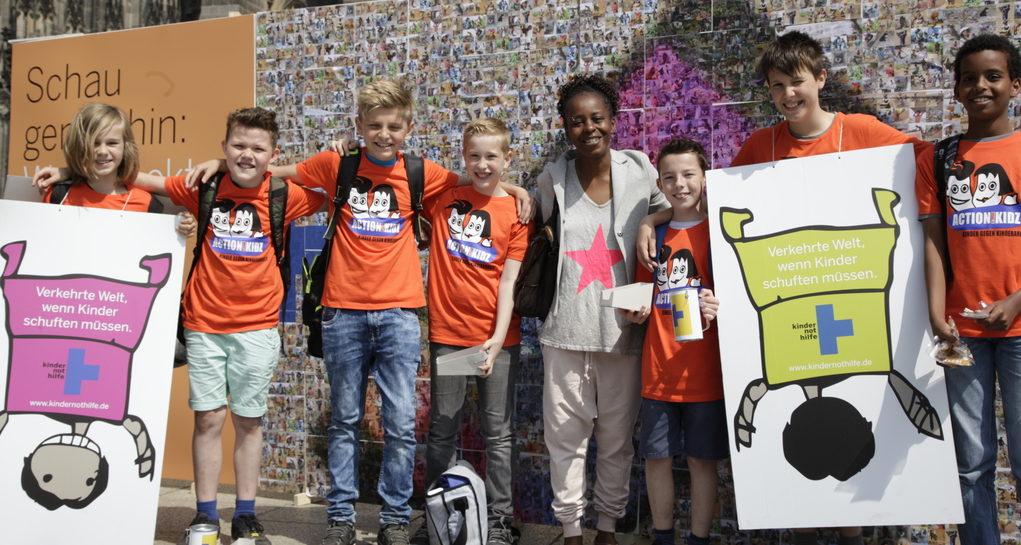 Action!Kidz-Aktion vor dem Kölner Dom. (Quelle: Christian Herrmanny)