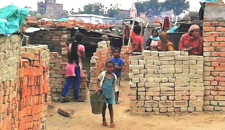 Kinderarbeiter in einer Ziegelei. (Quelle: Stefan Ernst)