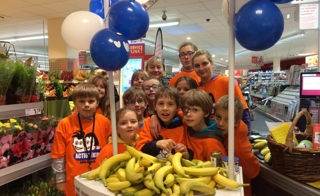 Templiner Action!Kidz halfen im Supermarkt. (Quelle: privat)