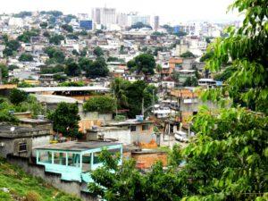 Die Favela Mangueirinha, aus der die Kinder im Projekt kommen. (Quelle: Kindernothilfe-Partner)