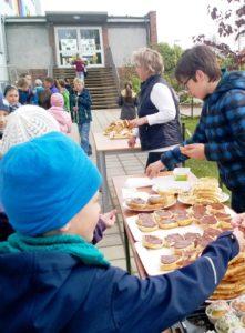 Schulfrühstück in der Grundschule Mühlberg. (Quelle: privat)