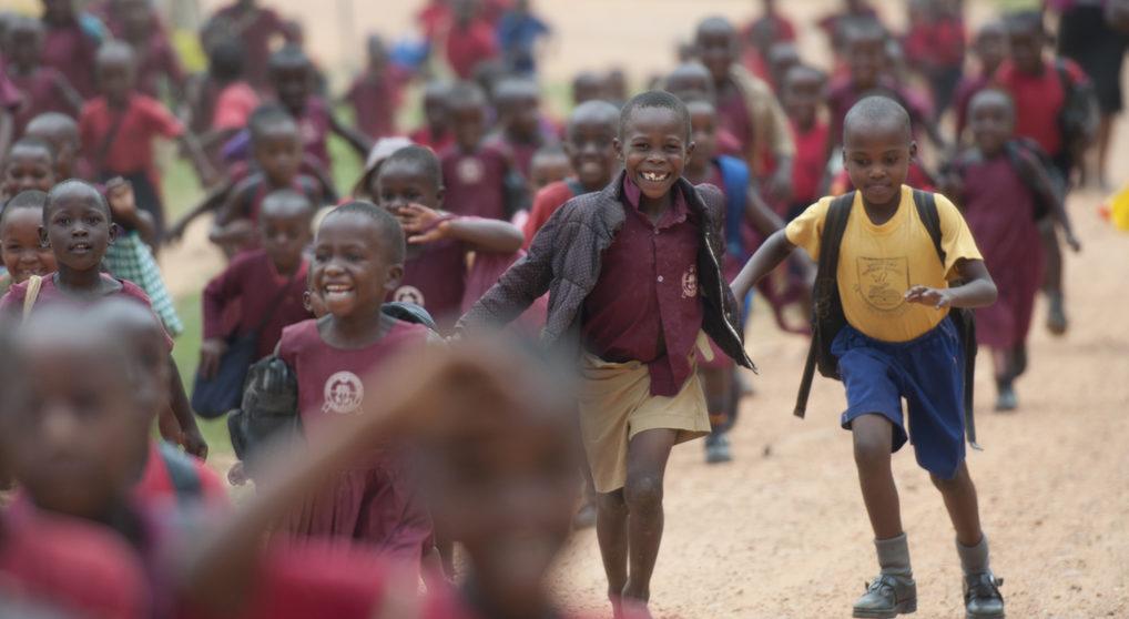 Schulkinder nach dem Unterricht. (Quelle: Christian Nusch)