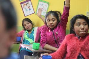 Schülerinnen in einer Schule des Kindernothilfe-Partners CEIPA. (Quelle: Malte Pfau)