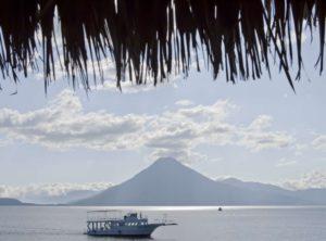 Sonnenschein am Lago Atitlán. (Quelle: Jakob Studnar)